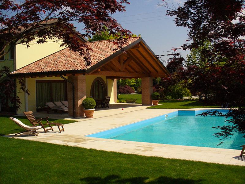 Fornitura e costruzione di piscine interrate di design