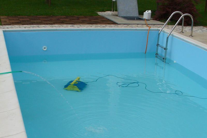 Vendita e riparazione pulitori piscina