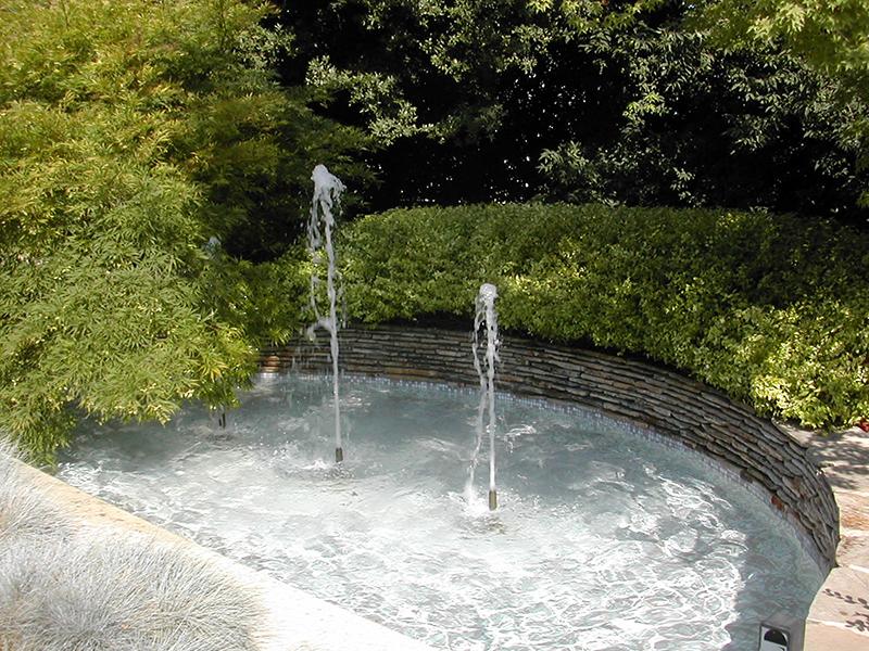 Fontane pubbliche, private, giochi d'acqua e cascate